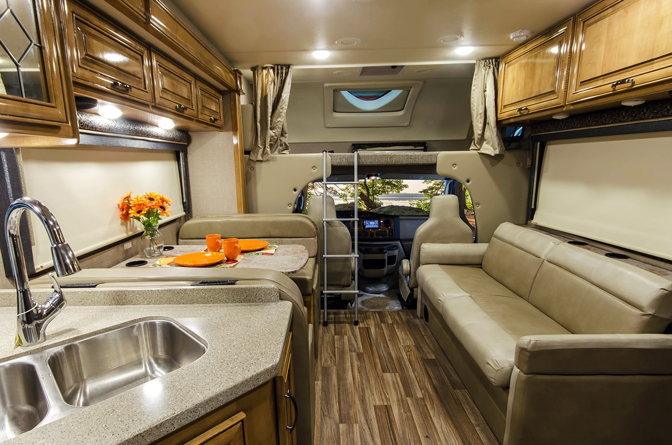 Thor Quantum Class C motorhome is packed with features