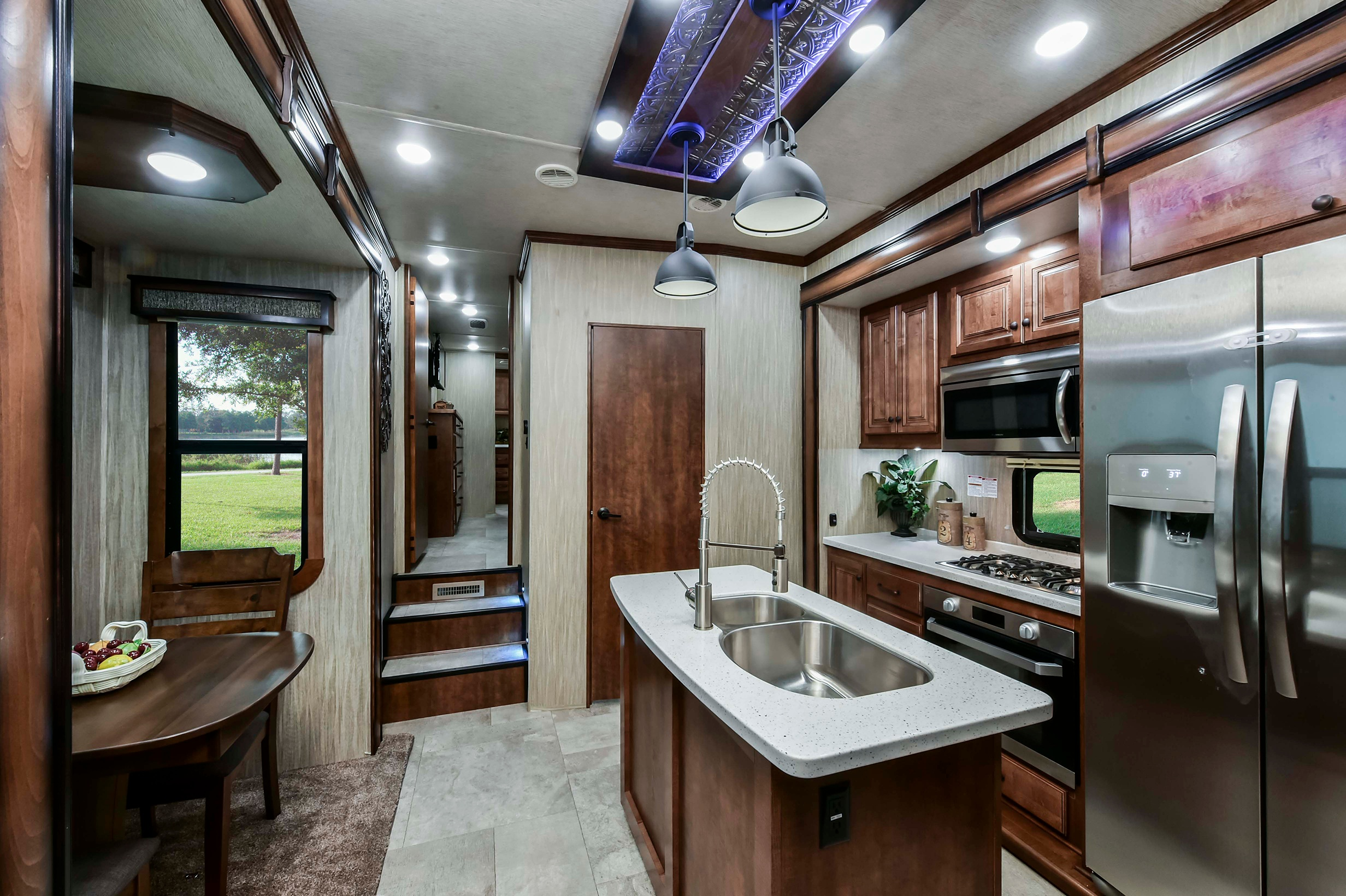 Heartland Big Country Fifth Wheel Interior