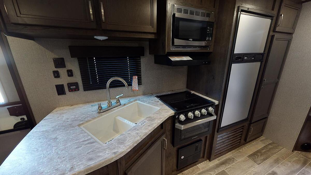 2021 Jayco Jay Flight SLX 267BHS Kitchen