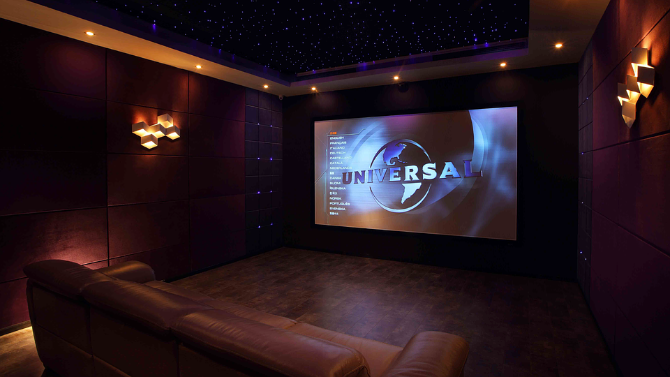 campgrounds with movie theaters