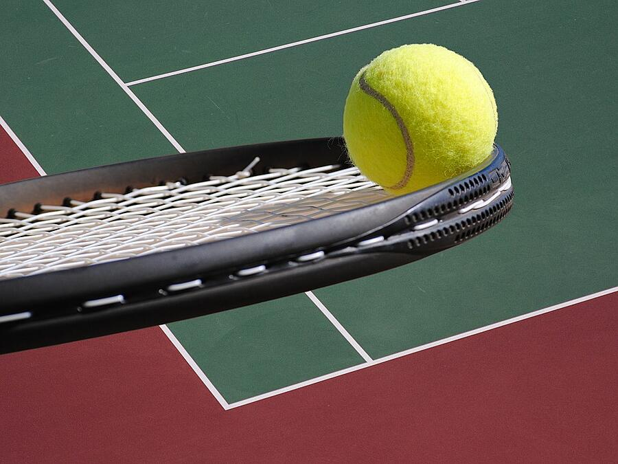RV campground tennis courts