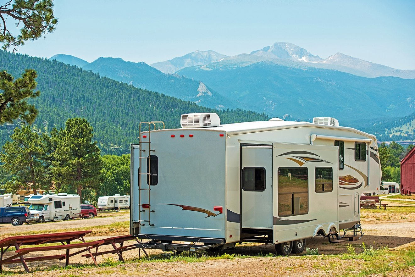 5th Wheel AdobeStock_68196735 small