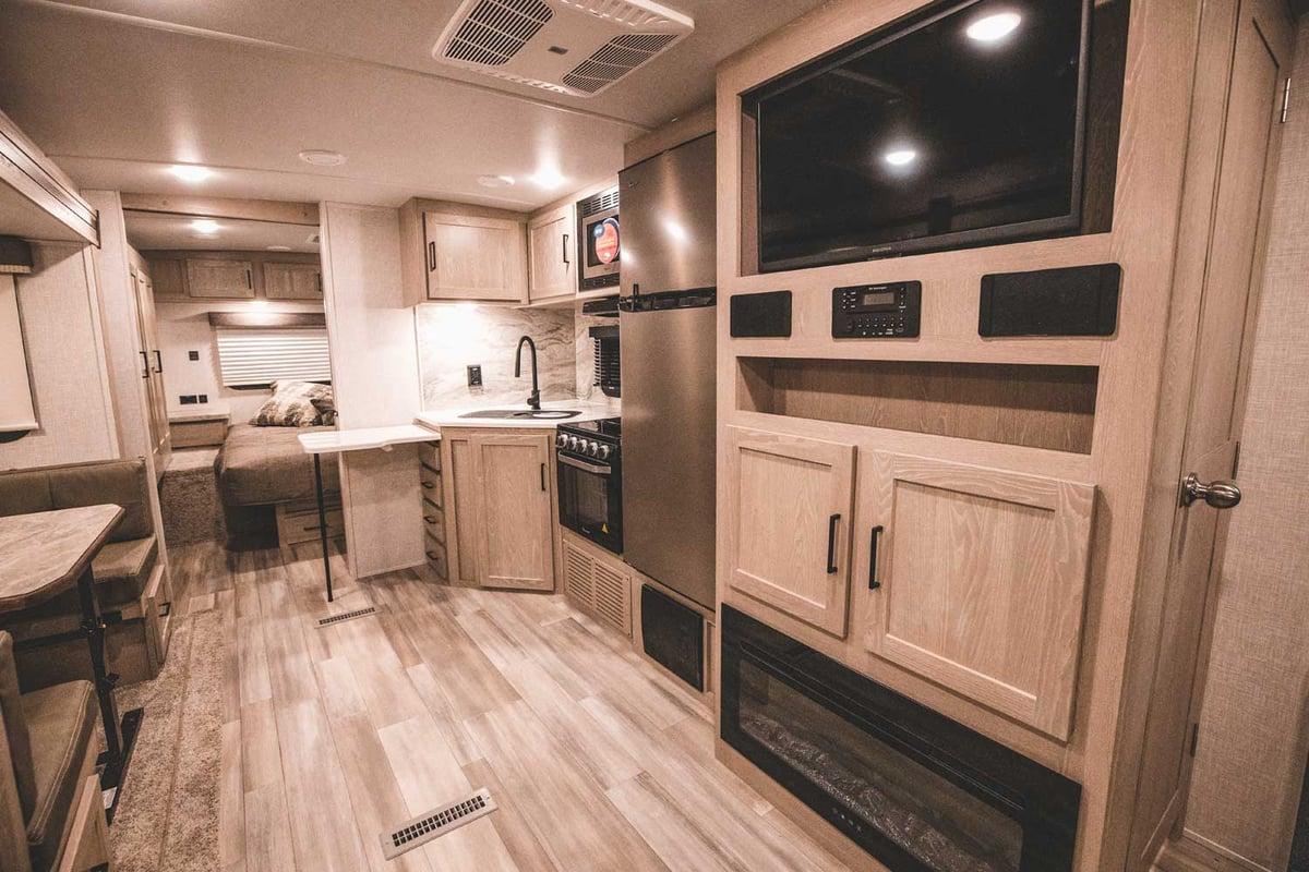 Rockwood Ultra Lite 2706WS Kitchen