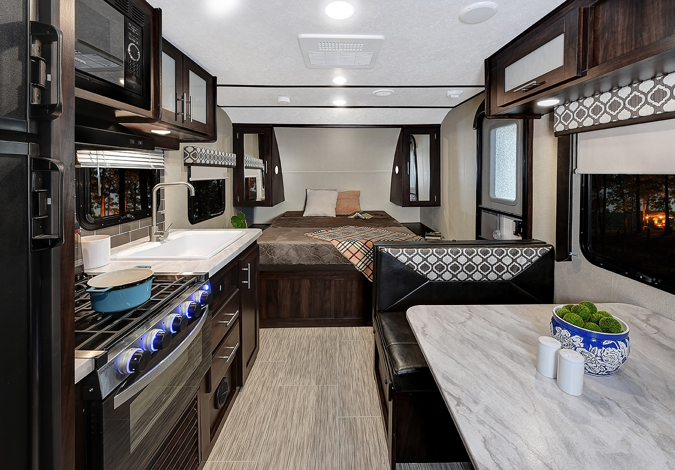 Prime Time Tracer Breeze Travel Trailer Interior