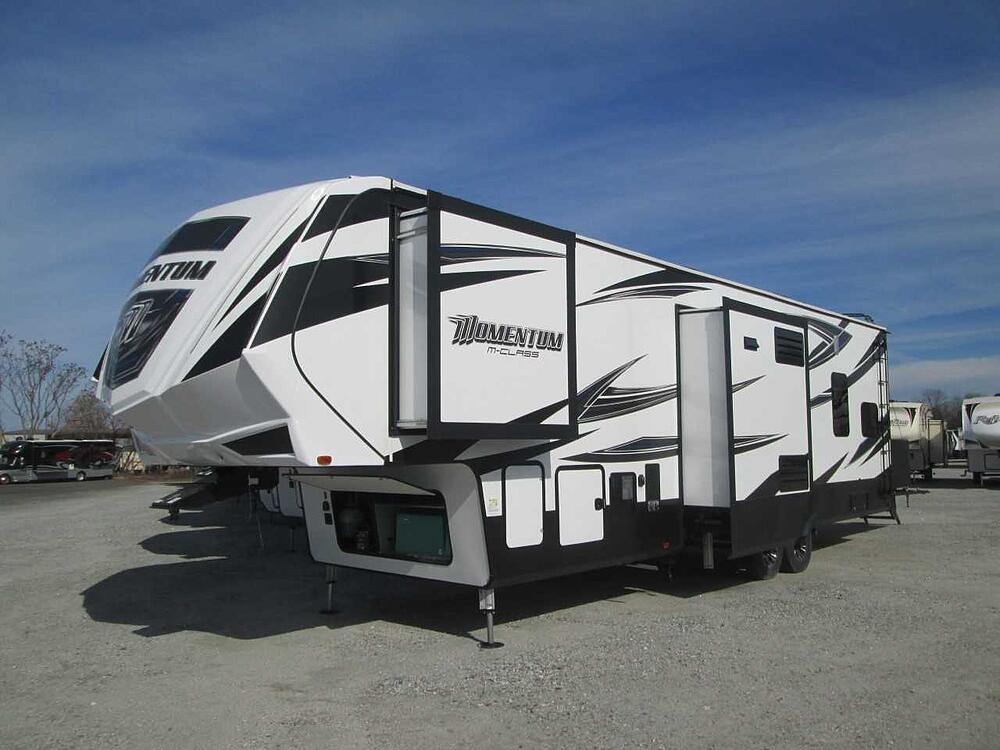fifth-wheel motorhomes