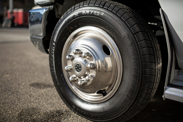 RV wheel maintenance