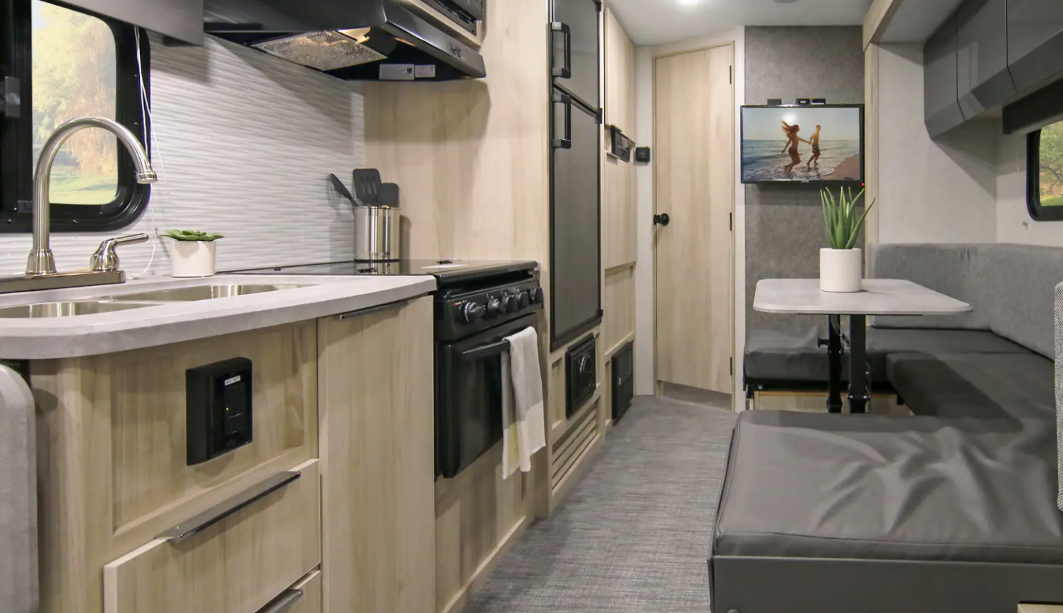 winnebago hike travel trailer interior-1