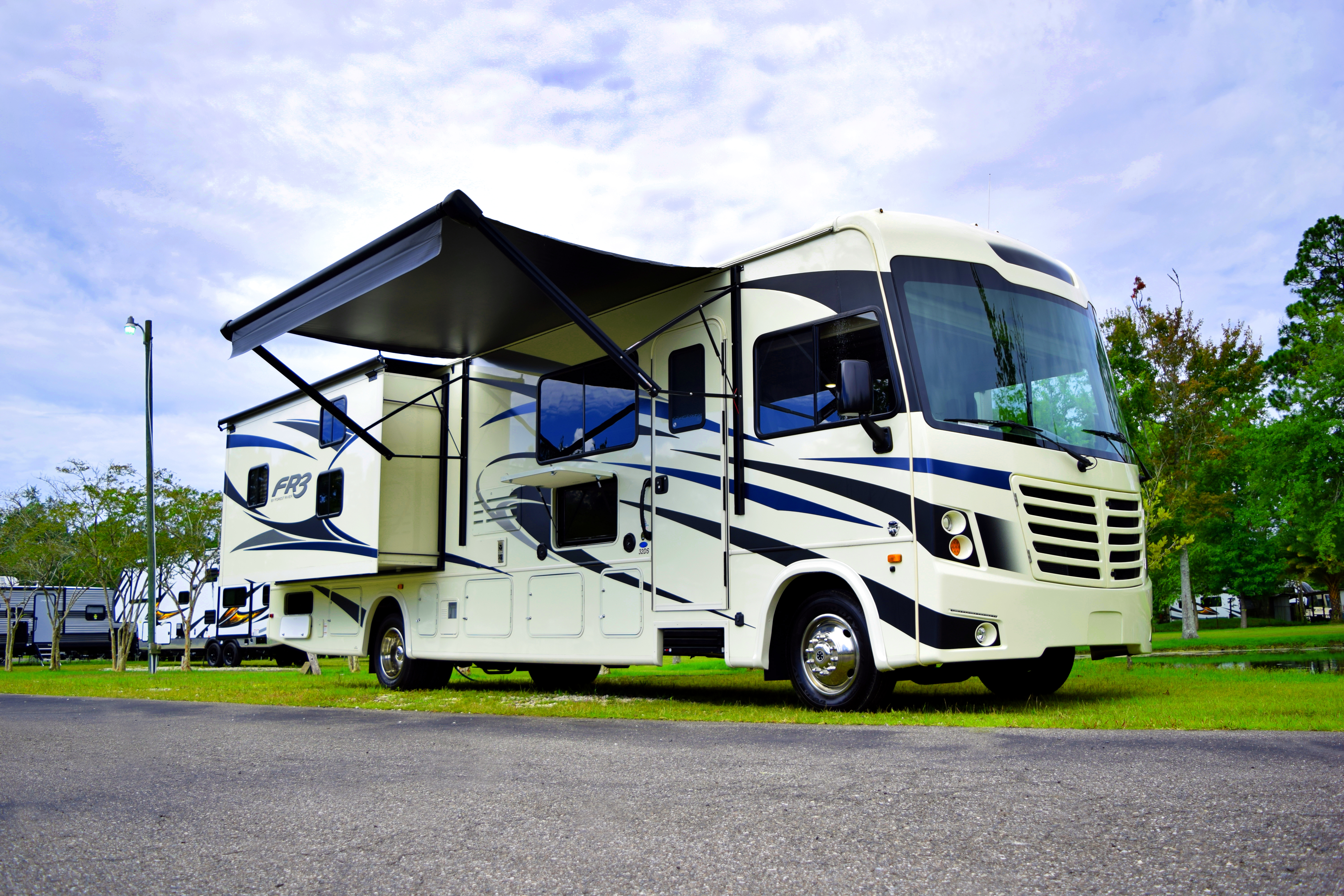 How to Set up Your RV at the Campsite for the First Time