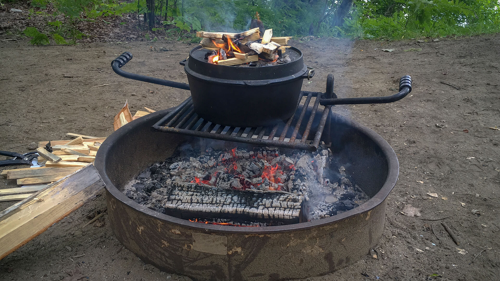Dutch Oven Camping Recipes for Perfect Campfire Meals